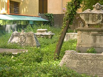 Old English Cemetery, Livorno - Signs of decay at this historical burial ground