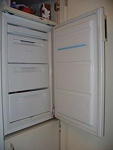 Un congelatore domestico a cassetti