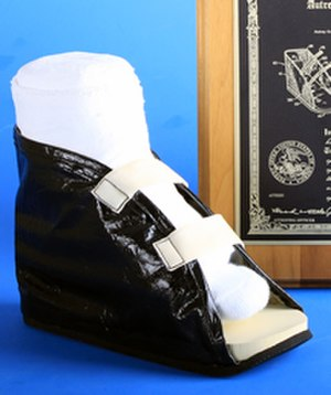 DeRoyal - DeRoyal's first product, a cast boot.