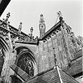 Overzicht van de luchtboog stoel aan de noordzijde van het koor - 's-Hertogenbosch - 20424873 - RCE.jpg