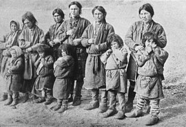 P252 Men and children of the Yenisei-Ostiaks.jpg