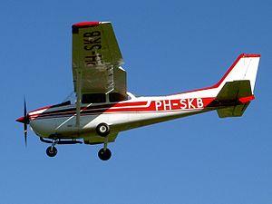 PH-SKB Cessna F172N.JPG