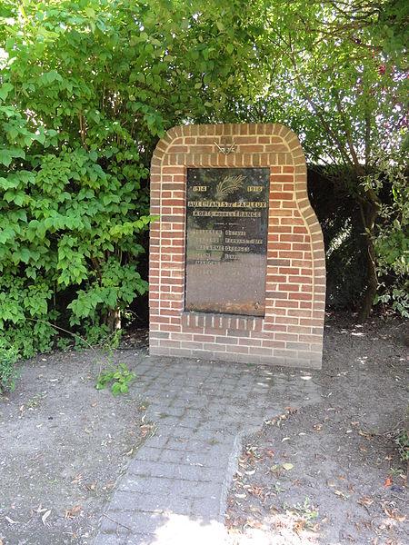 Papleux (Aisne, Fr) monument aux morts