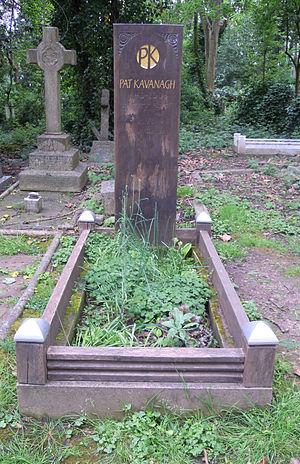 Pat Kavanagh (agent) - Kavanagh's grave in Highgate Cemetery