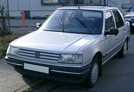 The 309 was the first Peugeot assembled in the Ryton plant. Peugeot 309 front.jpg