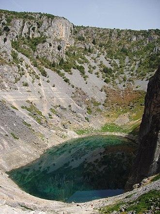 Blue Lake (Croatia) - Image: Plavo jezero Imotski 2