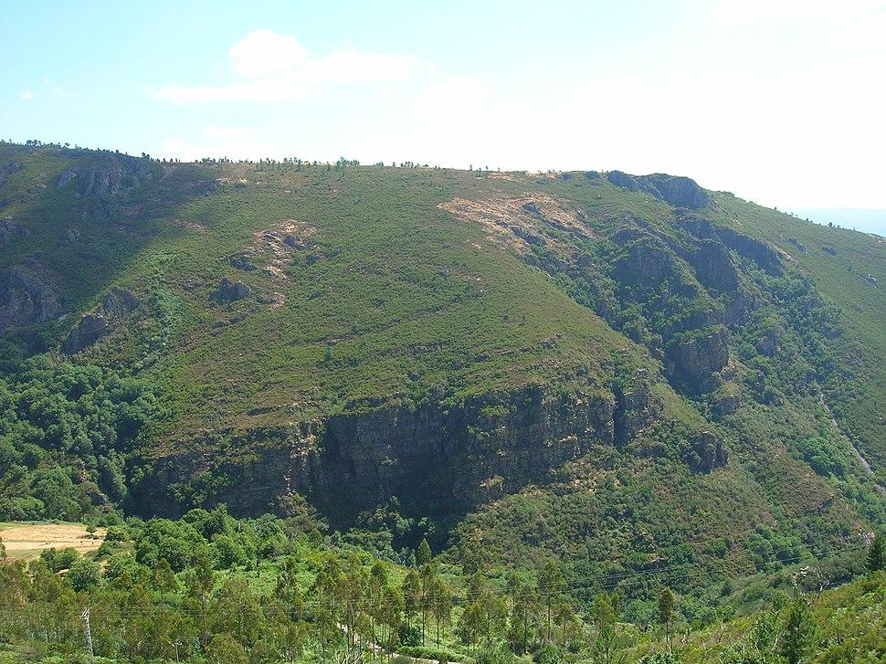 Plegamiento de Campodola Leixazós en la Sierra do Caurel