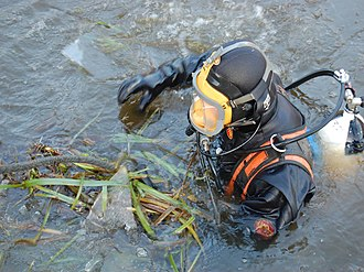 North West Police Underwater Search and Marine Unit - Image: Police diver in icy water