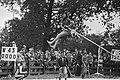 Polsstokverspringen in Polsbroekerdam - Willem Verwey in actie, Bestanddeelnr 929-8096.jpg