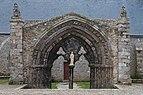 Portique de la chapelle Notre-Dame-des-Grâces de Plougonvelin.jpg