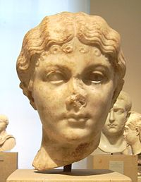 Portrait of a woman of the Julio-Claudian dynasty Antikensammlung Berlin.jpg