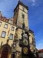 Prag - Rathausturm mit der berühmten Rathausuhr - Radnice se slavným orlojem - panoramio (1).jpg