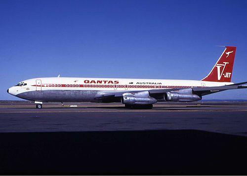 Qantas Boeing 707-300 SYD Wheatley.jpg