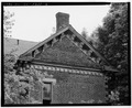 ROOF DETAIL, LOOKING NORTH-EAST. - Willis Kelly House, 4735 Guernsey Street, Bellaire, Belmont County, OH HABS OHIO,7-BEL,6-6.tif