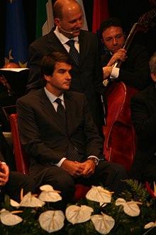 Raffaele Fitto all'inaugurazione del teatro di Canosa di Puglia, 5 novembre 2011