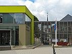 Rambrouch, gemeentehuis met kerktoren foto1 2014-06-14 11.27.jpg