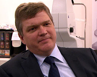 Ray Mears British woodsman and TV presenter