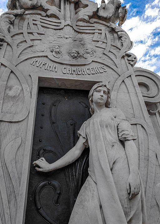 Recoleta cemetery- Rufina Cambaceres - you can't escape your resting place! (33197430534)