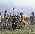 Reservväelased õppusel suurtükist laskmas.jpg