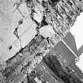 Restant portaal in noord muur van het schip uit het noord-westen - Breda - 20040733 - RCE.jpg