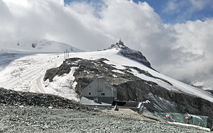 Theodul Pass - View of the pass with Testa Grigia in background from the Theodul hut