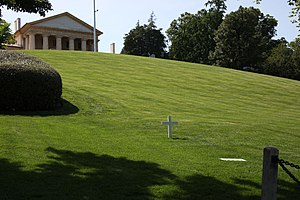 Robert F Kennedy Grave Site and Arlington House 03 - Arlington National Cemetery - 2012-05-19.jpg