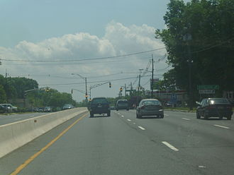 New Jersey Route 18 - Route 18 southbound at Rues Lane in East Brunswick