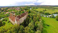 Ruffey-le-Château, le château au bord de l'Ognon.jpg