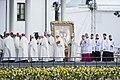 Saeimas priekšsēdētāja piedalās Viņa Svētības pāvesta Franciska vizītes pasākumos (44840973652).jpg