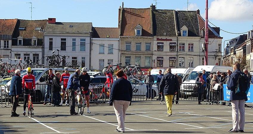 Saint-Amand-les-Eaux - Paris-Roubaix juniors, 10 avril 2016, départ (C09).JPG