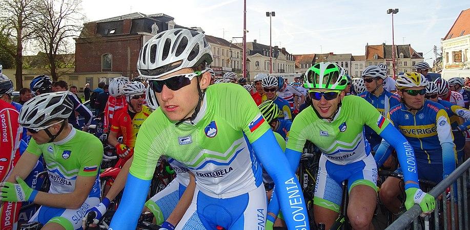 Saint-Amand-les-Eaux - Paris-Roubaix juniors, 12 avril 2015, départ (A75).JPG