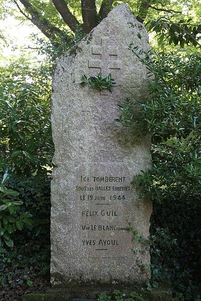 Stèle des fusillés de Saint-Marcel.