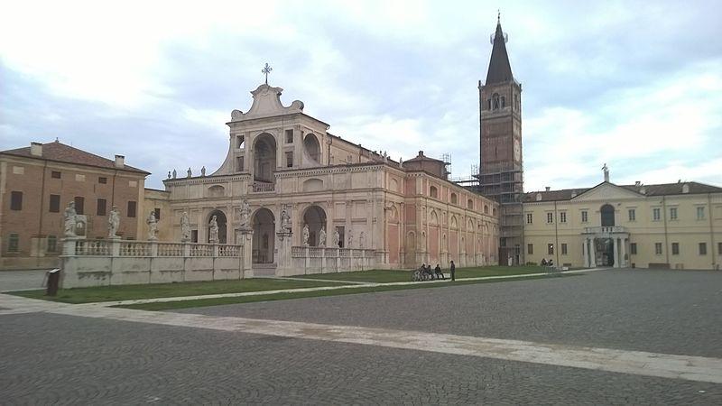 File:San Benedetto Po, Abbazia del Polirone.jpg