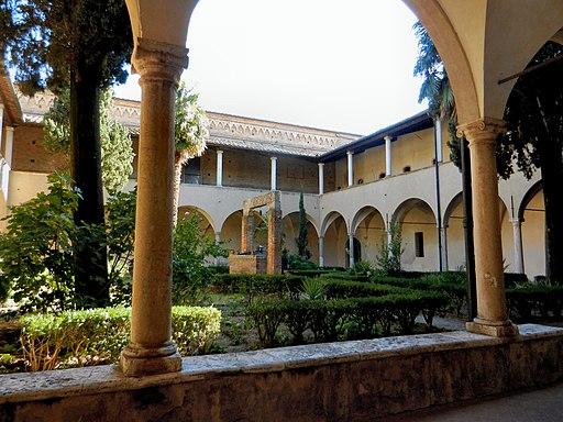 San Gimignano, Chiostro di Sant'Agostino