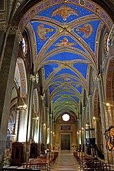 Santa Maria sopra Minerva nave 2010.jpg