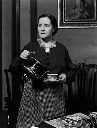 Shadow and Substance - Sara Allgood in the original Broadway production of Shadow and Substance (1938)