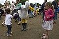Seagull dancing (2732905029).jpg