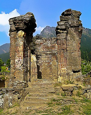 Sharada Peeth - The temple is currently abandoned and lies in ruin.