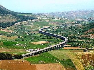 "Autostrada A29 (Italy) - The viaduct ""Caldo"" of the A29dir near Segesta."