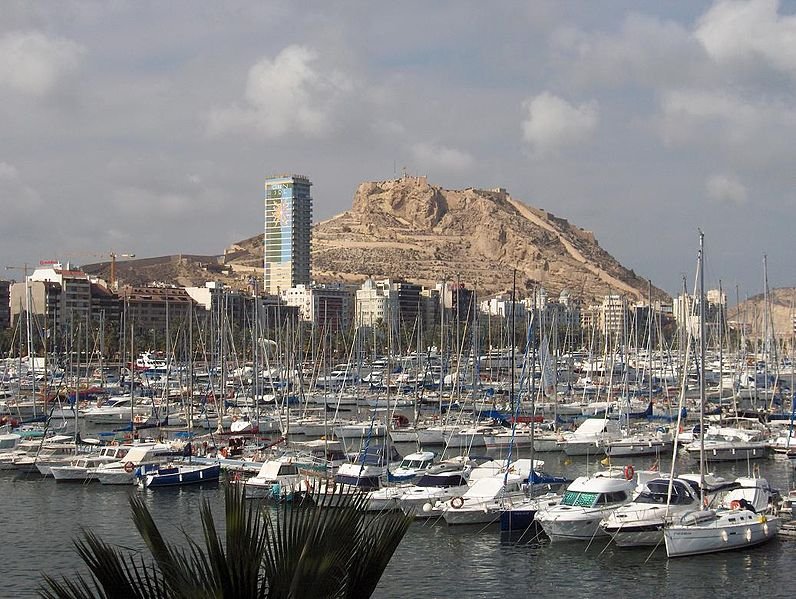 File:Skyline de Alicante.JPG