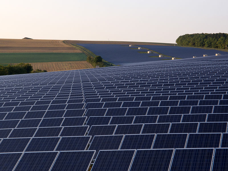 File:SolarparkThüngen-020.jpg
