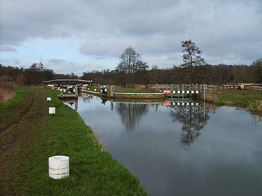 St. Catherine's Lock, River Wey 4