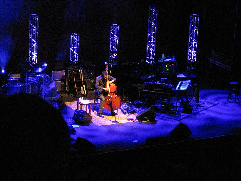 File:Stanley Clarke on standup, Return To Forever, Seattle ...