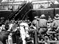 StateLibQld 1 158721 Soldiers boarding troopship, Brisbane, World War I.jpg