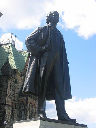 Joseph-Émile Brunet - Image: Statue Laurier