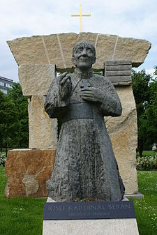 Socha Josefa Berana v Praze–Dejvicích