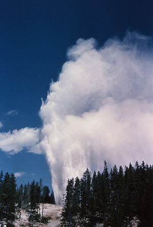 Steamboat Geyser - Image: Steamboatgeyser 1