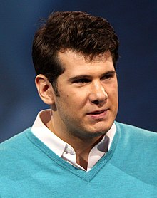 Steven Crowder (cropped).jpg