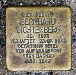 Photo of Bernhard Lichtenberg brass plaque