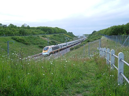 A 300 km/h (186 mph) Eurostar train at km 48 (mile 30) on High Speed 1, near Strood StroodCTRL2.JPG